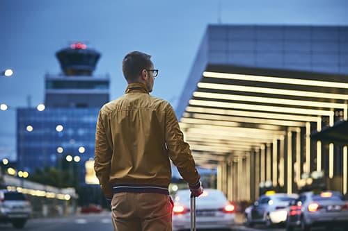 Réserver un chauffeur pour vous rendre de l'Aéroport de Nice à Fréjus